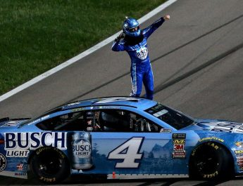 Harvick Passes Truex With 1 To Go To Win At Kansas Speedway