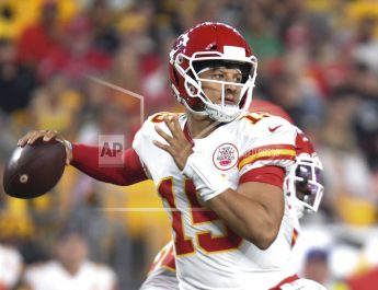 KC Uses 5th-Year Option On Mahomes, Works On Long-Term Deal