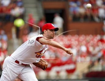 Wainwright Leads Surging Cardinals To 3-1 Win Over Giants