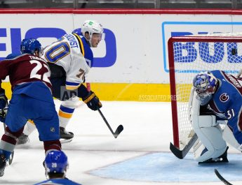 Sundqvist, Binnington Help Blues Open With 4-1 Win Over Avs